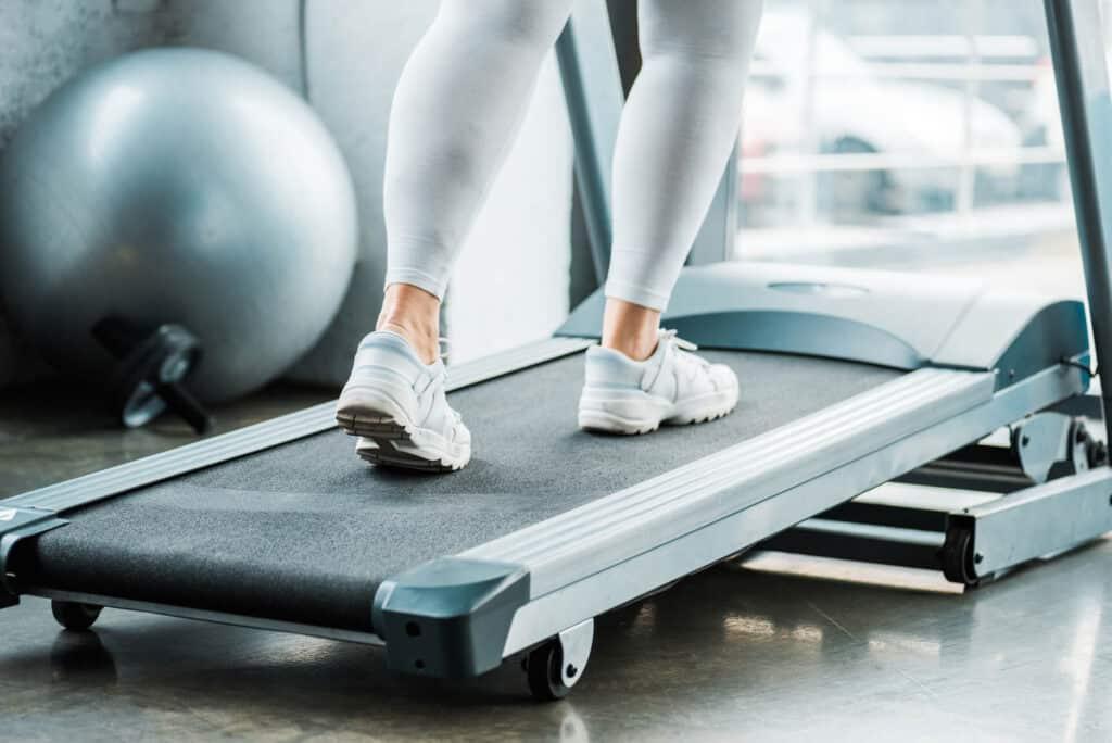 איך להתאים את ההליכון למידות גופכם