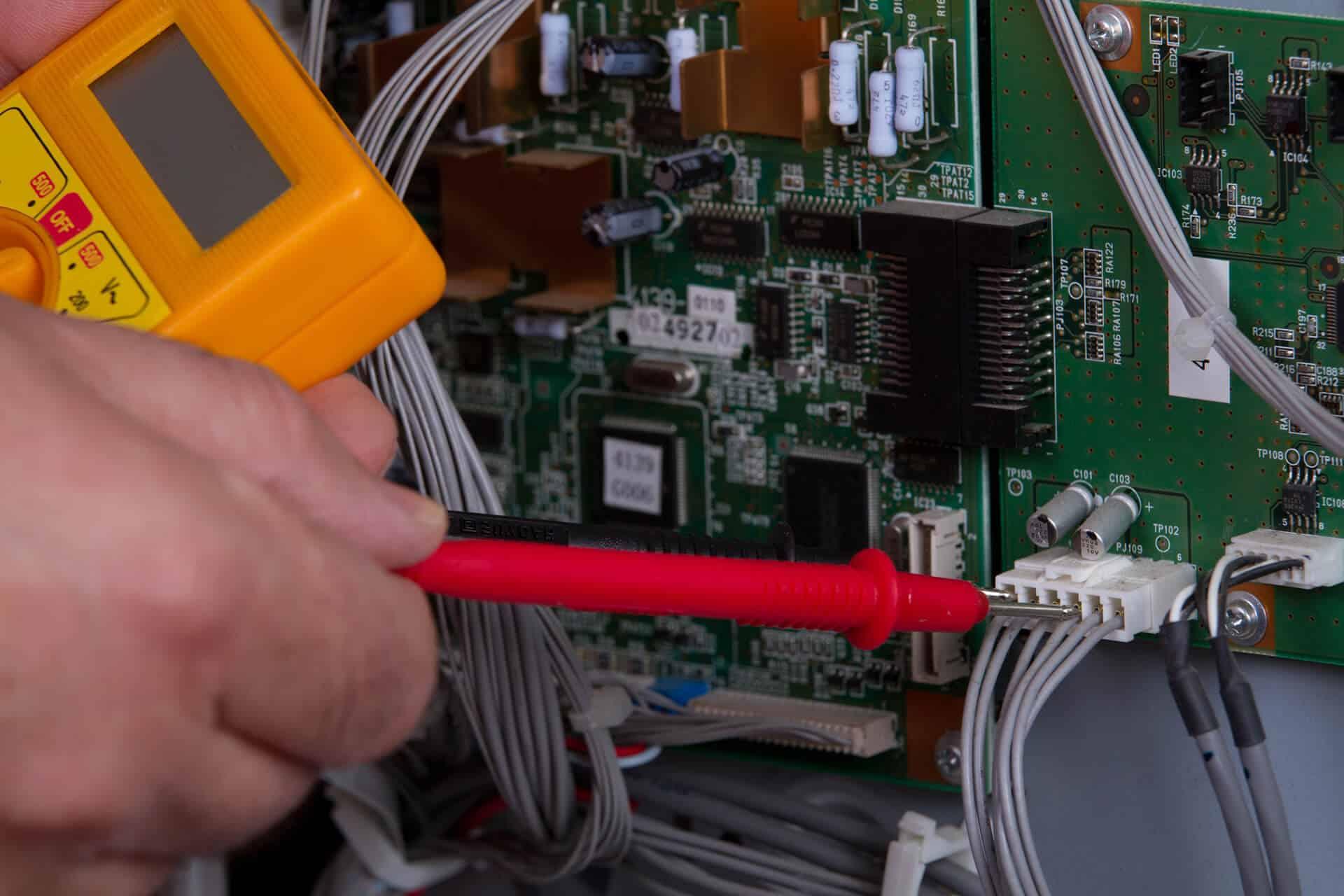 תיקון או החלפת כרטיס אלקטרוני להליכון